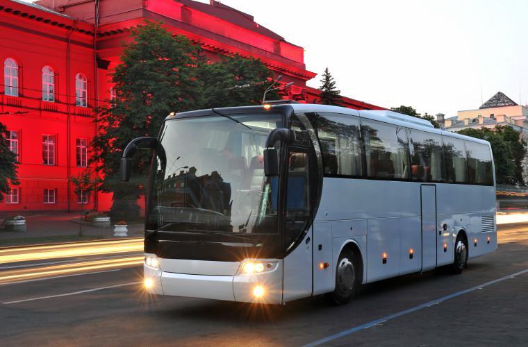 Sports_team_charter_bus_rental